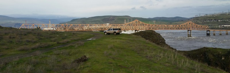 """Longer"" view of the US 197 bridge between Oregon and Washington near The Dalles, OR."
