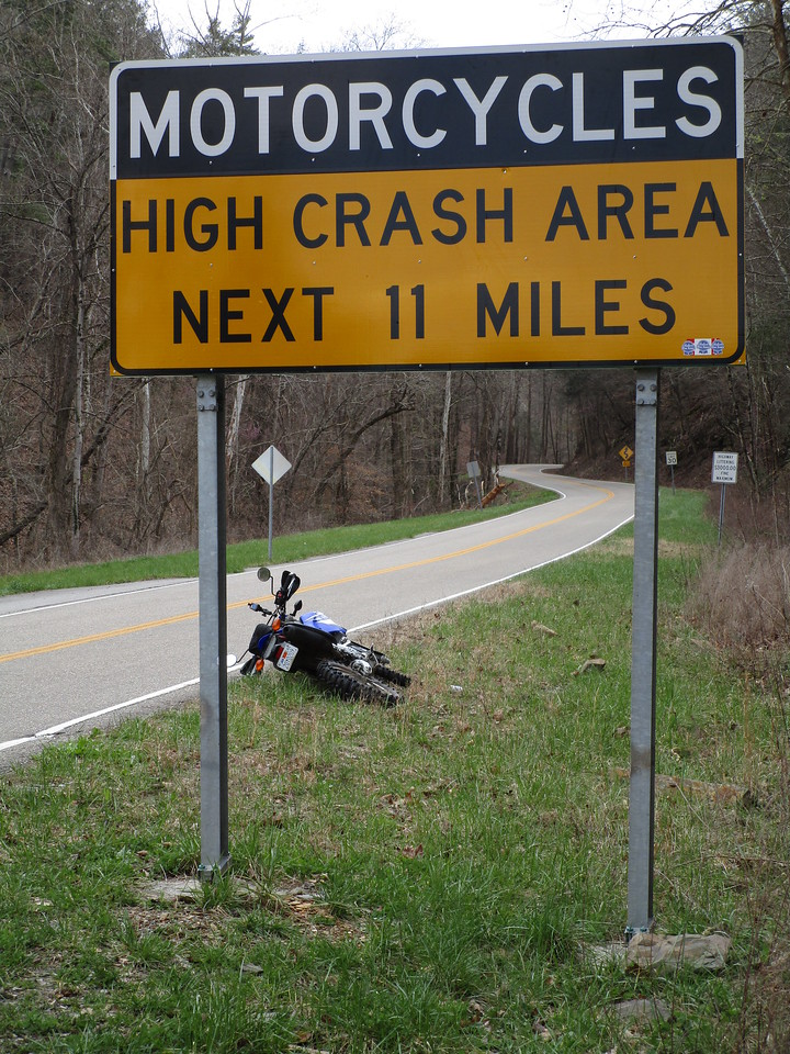 Yah!  Finally in Tennessee!  Took 3.5 days to get here, which gets me here a day early for the March Moto Madness.<br /> <br /> I parked in a pullout on US 129 near a famous stretch of road called 'Deals Gap', and did some riding!<br /> <br /> Deals Gap is an 11 mile stretch that claims to have 318 curves.  It's a bit of a motorcycle mecca.  Since so many bikes ride this route, there are a disproportionately high number of motorcycle crashes.