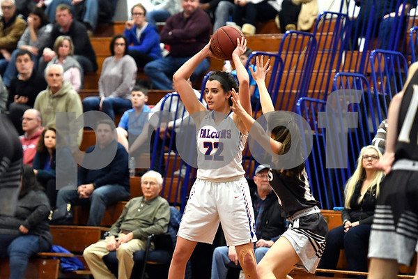 3/1/2018 Mike Orazzi | Staff St. Paul's Morgan Kolb (22) during the Class M Second Round of the CIAC 2018 State Girls Basketball Tournament with Stonington in Bristol Thursday night.