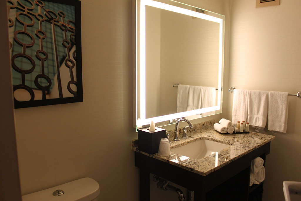 Mercantile Hotel bathroom