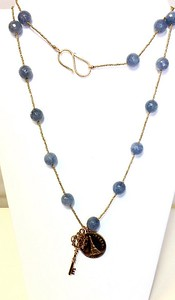 7-PARIS-BA CO89  EIFFEL TOWER AND KEY ON GOLD PLATED HEISHI AND BIG BLUE AGATE BEADS 36""