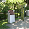 Entrance to the cemetery. No mention is made of Americans who may have been buried here in 1776.
