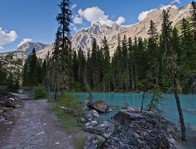 Kinney Lake trail & Robson river