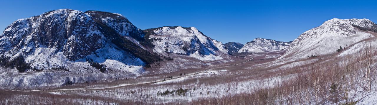 Sentier du mont du lac des Cygnes en hiver - Parc national des Grands-Jardins