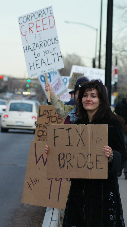 Boulder, Colorado residents demonstrate for more spending on infrastucture and job creation. (11/17/11)