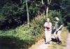 Eva und Marco am Fluss