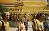 Tempel in Bangkok, rechts unser Reiseleiter Ralph, Wat Phra Keo