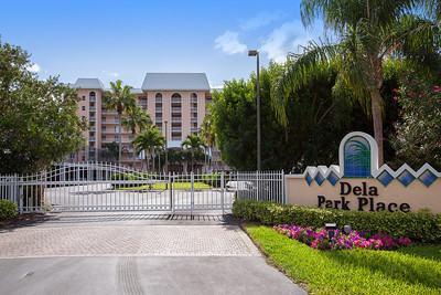 Dela Park Place Sign