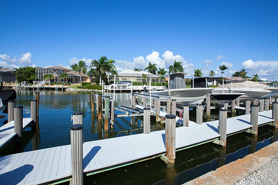 Eagle Cay Dock
