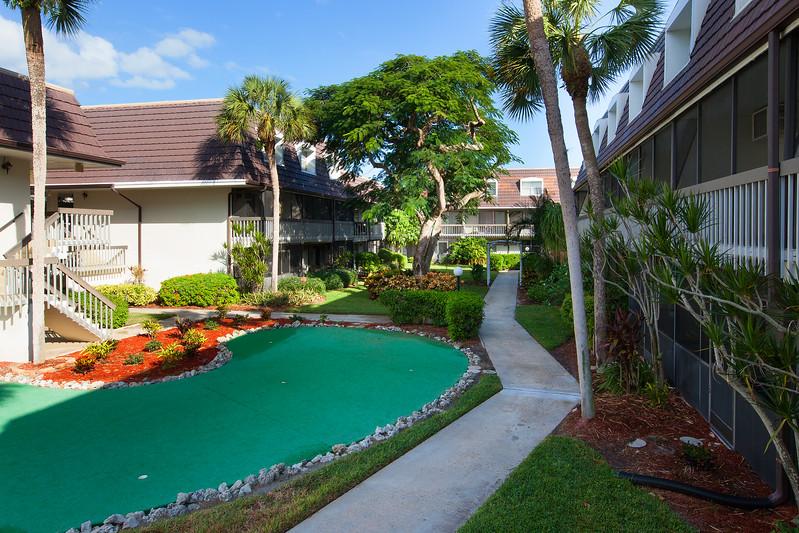 Island Manor Walkway
