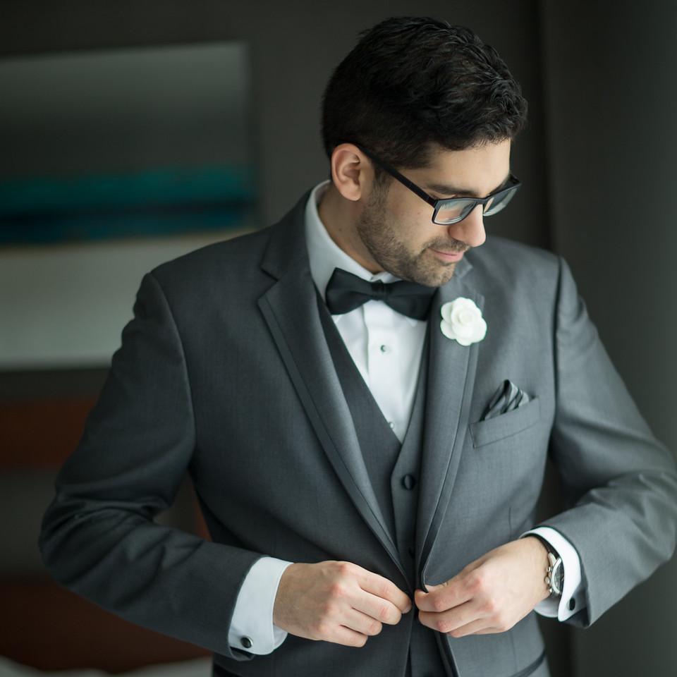 stephane-lemieux-photographe-mariage-montreal-026-effervescence, getting-ready, groom, hero, instagram, old-montreal, select, spring-hill-montreal, vieux-montréal, winter