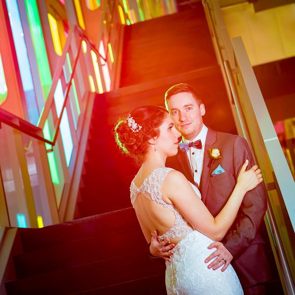 stephane-lemieux-photographe-mariage-montreal-020-centre-des-congrets-vieux-montreal, complicité, gold, instagram, select, wedding