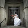 stephane-lemieux-photographe-mariage-montreal-063-bride, columns, effervescence, flowers, holding, instagram, old-montreal, portfolio, vieux-montréal