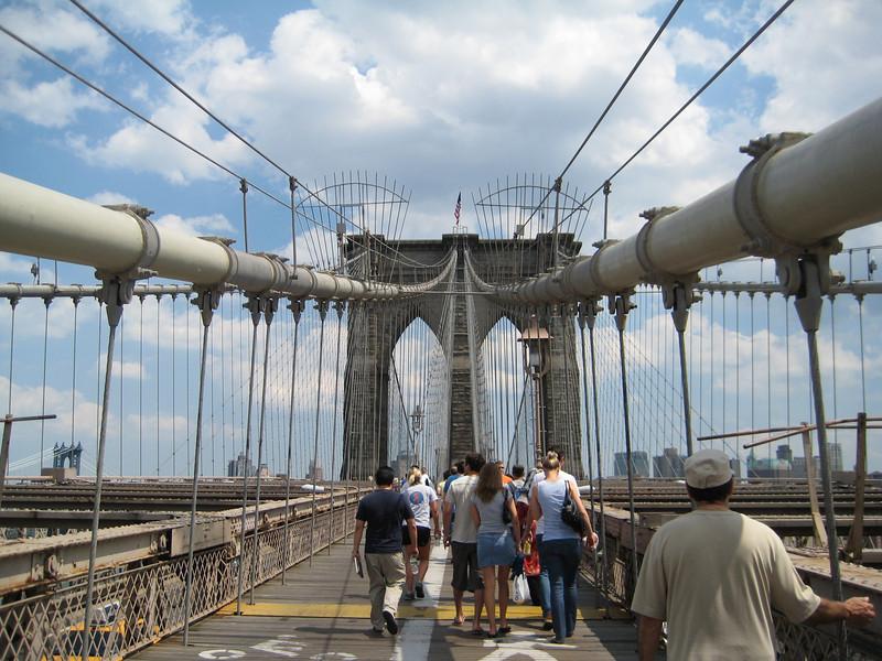lots of pics of the bk bridge...