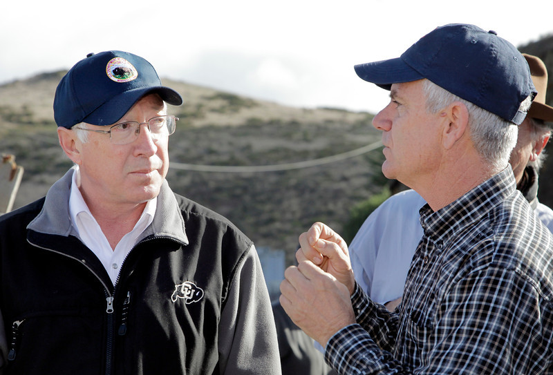 Kevin Lunny, right, owner of Drakes Bay Oyster Company, explains the process of growing oysters to Interior Secretary Ken Salazar, left, on Drakes Estero in the Point Reyes National Seashore, Calif. on Wednesday, November 21, 2012.(Special to the IJ/Jocelyn Knight)