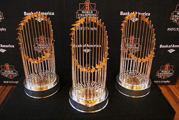Giants Champion Trophies in SR