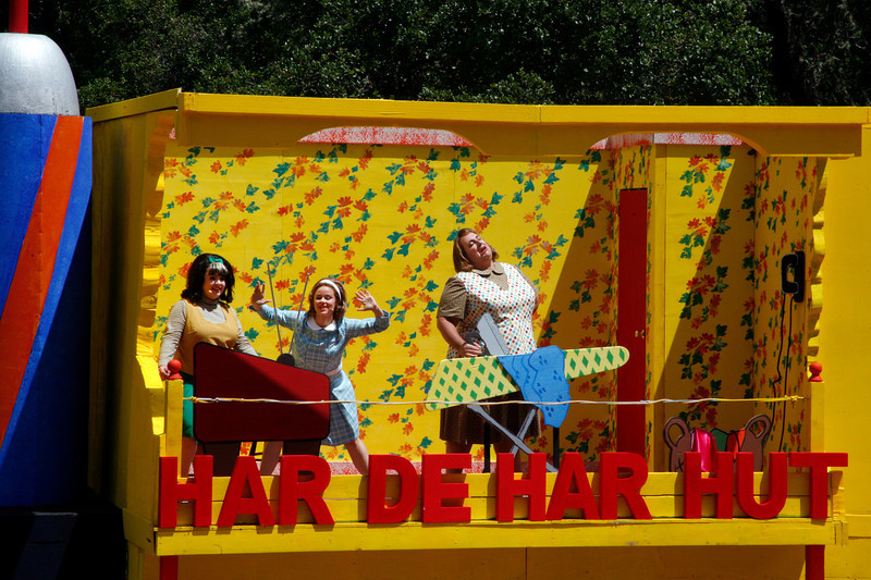 "At left Kimmie Swanson, as Tracy Turnblad, Amelia Hart as Penny Pingleton, and Joshua Castro as Edna Turnblad in the upstairs Turnblad apartment watching and singing along with ""The Corny Collins Show"" on ""TV"" during the song ""The Nicest Kids In Town"".  At the Mountain Play's opening day performance of ""Hairspray"" at the Mountain Theater on Mount Tamalpais, Calif. on Sunday, May 22, 2011. (Special to the IJ/ James Cacciatore)"