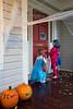 Nina and Annika knocking next door - 2017-10-31