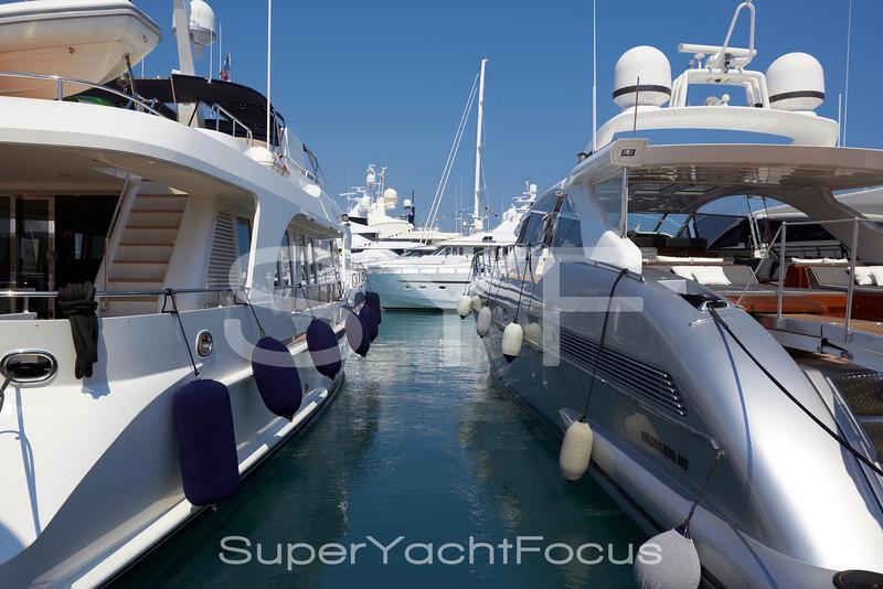 Motoryachts, Antibes