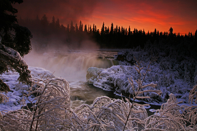 Pisew Falls - Polar Bears & Northern Lights - Hudson Bay, Canada - Mark Rasmussen - November 2008