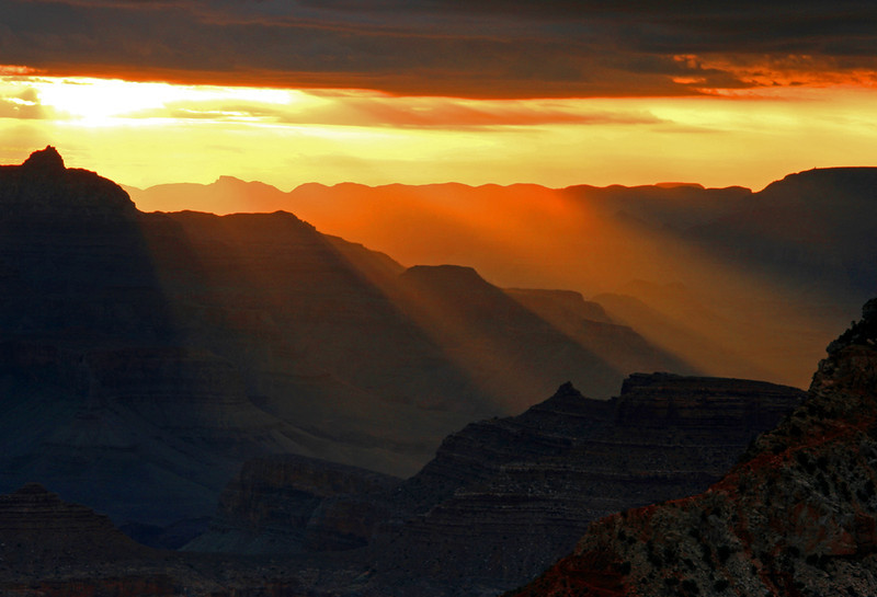 Rays breaking through sunrise at Mather Point - Grand Canyon National Park, Arizona - Mark Rasmussen