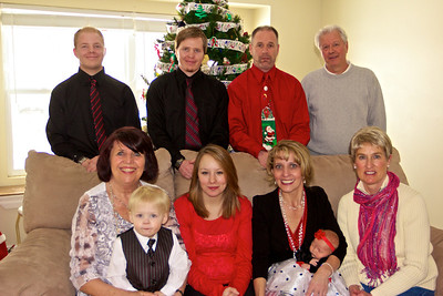 Holiday photo: Back row L to R: Mark Jr., Thomas, Mark, Jay Front: Linda, Kadin, Shanelle, Cheri, Makenzie, Donna