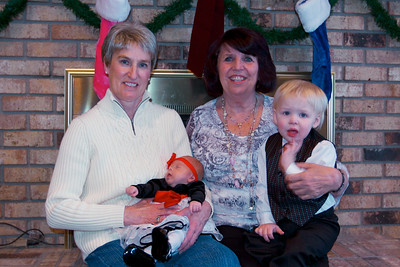 Donna & Linda with their great grand children.