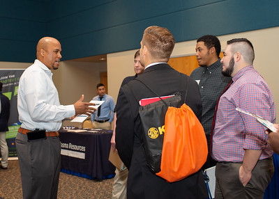 2018_1003_Business&LiberalArtsCareerExpo_LW-0128