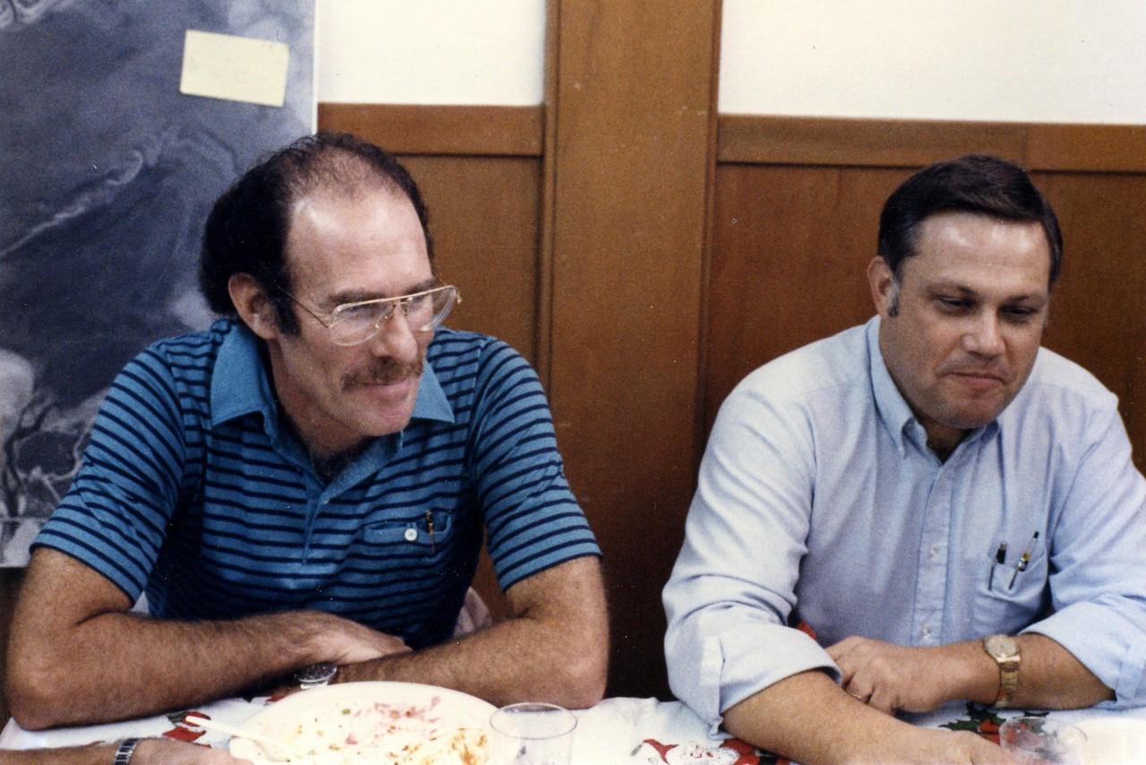 Chapman & Tunnell 1986
