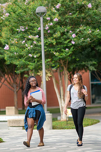2018_0716-CampusPhotoSession-1655
