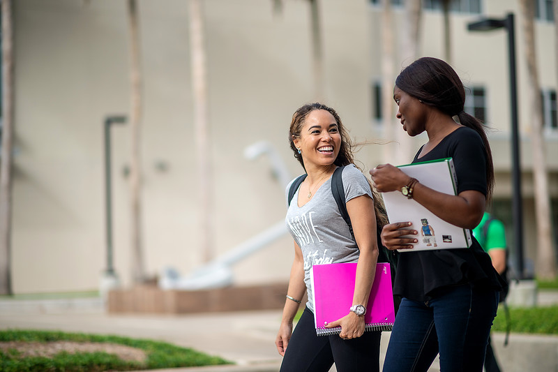 2018_0716-CampusPhotoSession-0097