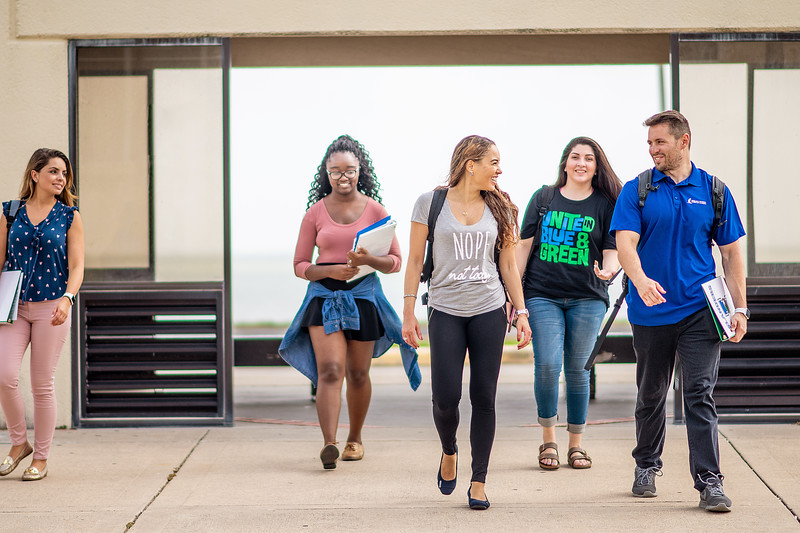 2018_0716-CampusPhotoSession-1807