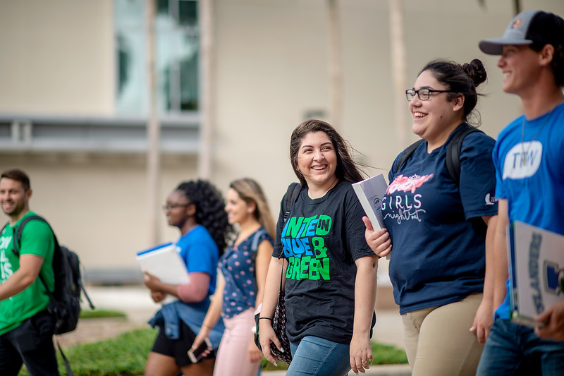 2018_0716-CampusPhotoSession-0106