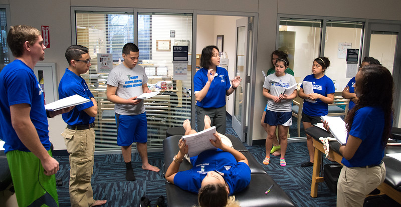 Professor Sayuri Hiraishi delivers lab 's procedures in Kinesiology Ankel Orthopedic Special Tests.
