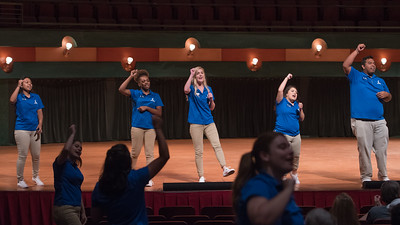 Orientation Leaders share their school spirit with future Islanders and their families during New Student Orientation.  For more information on how to register for New Student Orientation, click here: http://bit.ly/2sz8nbl