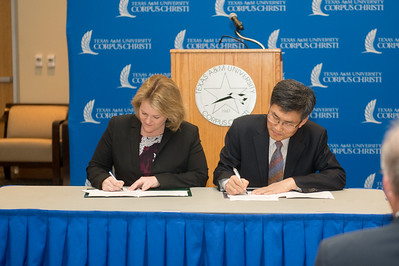 Kelly M. Quintanilla, president and CEO of Texas A&M University-Corpus Christi and Mr. Heonsoo Kim, Principal of Sejong Academy.