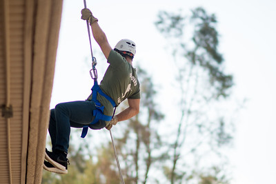 091517_ROTC_Rappelling-4159