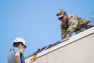 111417_Rappelling-2130