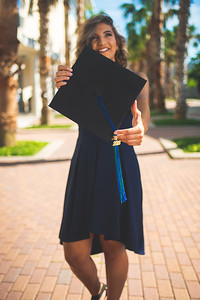 2018_0508-LaraineShaw-GradPhotos-