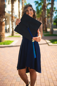 2018_0508-LaraineShaw-GradPhotos-6208