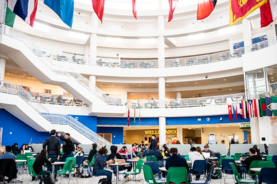 The UC Rotunda bustles with activity on the first day of the Spring 2019 Semester.