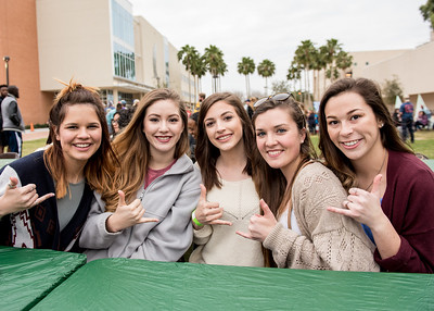 Jordan Garza(left) Anneliese Allgeyer, Alisha Gomez, Amanda Dunmire and Patricia King at the 2016 Homecoming Friday Fiesta.