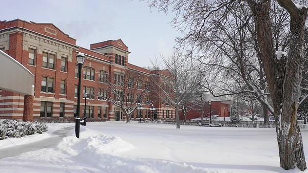 2018 UWL Winter Main Hall Snow 2