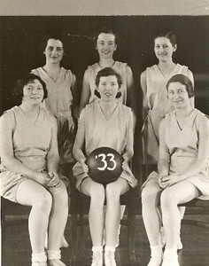 Women's basketball team, 1933