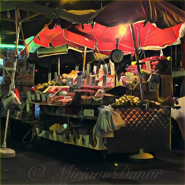 New York at Night - Umbrella Market