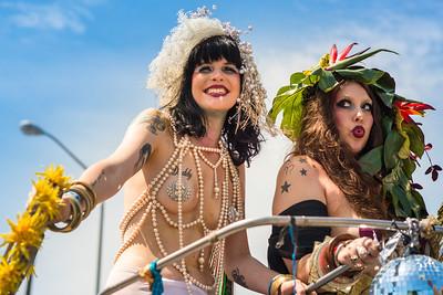 2014_Mermaid_Parade_Brklyn_NY-3961