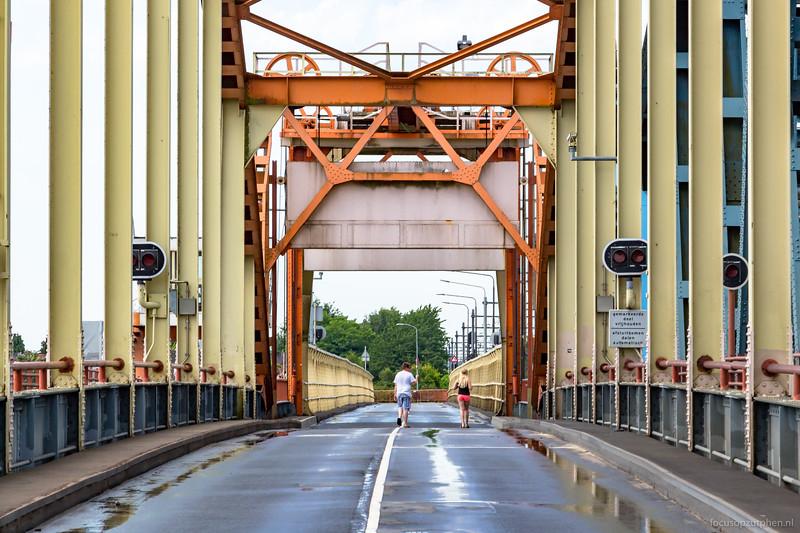 Oude IJsselbrug afgesloten