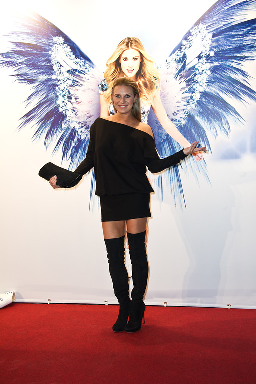 Gala Premiere von Holiday on Ice in Stuttgart in der Porsche Arena