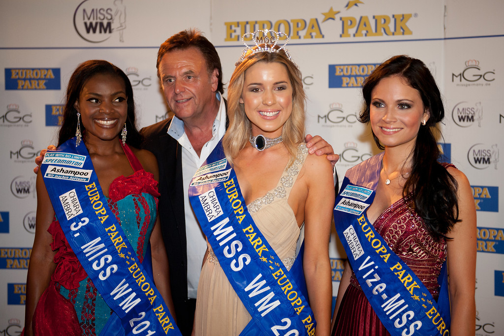 Dominique Wisniewski, Christina Trost, Jane Ogbe, Roland Mack, beim Miss WM Finale am 17.06.11 im Europapark in Rust