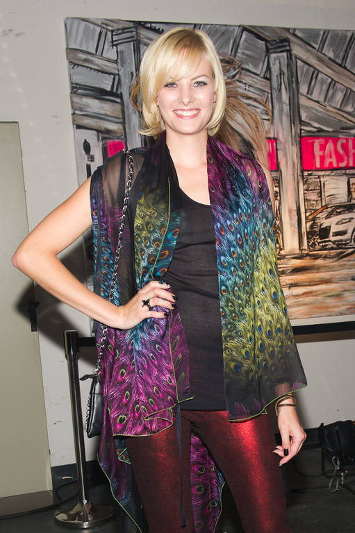 Jenny Hof, bei dem Audi Event Painted Pictures am  28.09.12 in Frankfurt